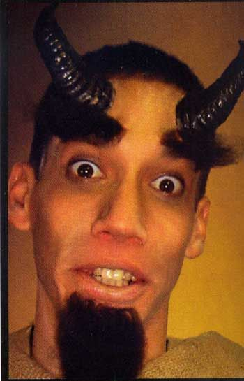 Schwarze Teufelshörner