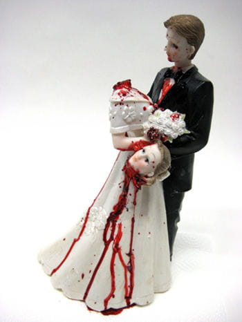 Bridal Couple with Beheaded Bride 31cm DLX