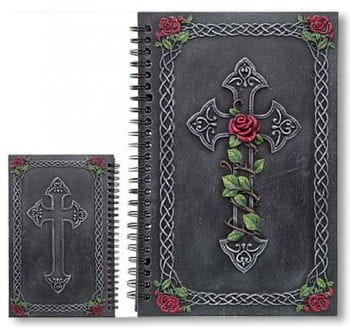 Notizbuch mit Kreuz und Rosen