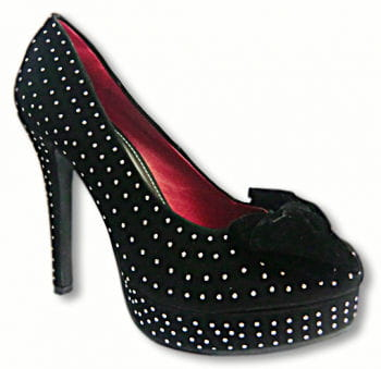 Elegant black velvet pumps