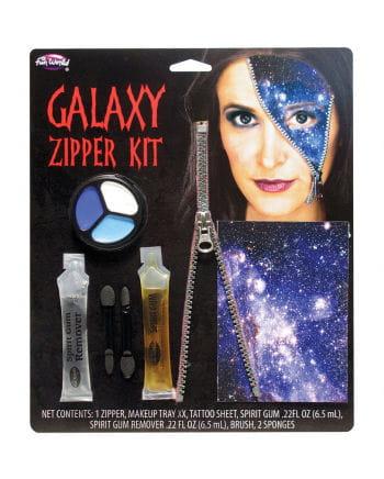 Galaxy Reißverschluss Wunde mit Sternentattoo