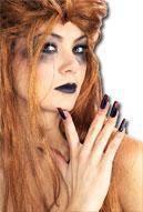 Fingernägel schwarz blutig