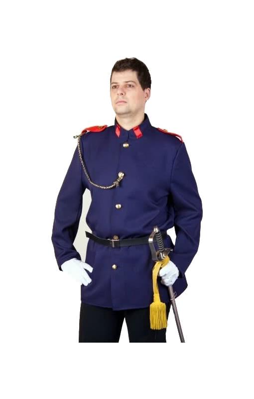 uniform jacke mit g rtel dunkelblaue jacke mit g rtel eines soldaten horror. Black Bedroom Furniture Sets. Home Design Ideas